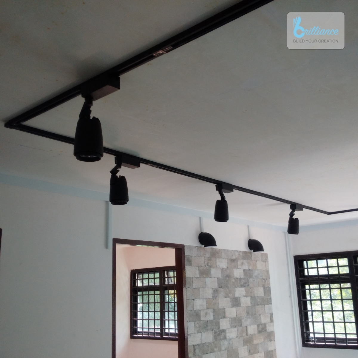 HDB renovation at Ghim Moh - Track light