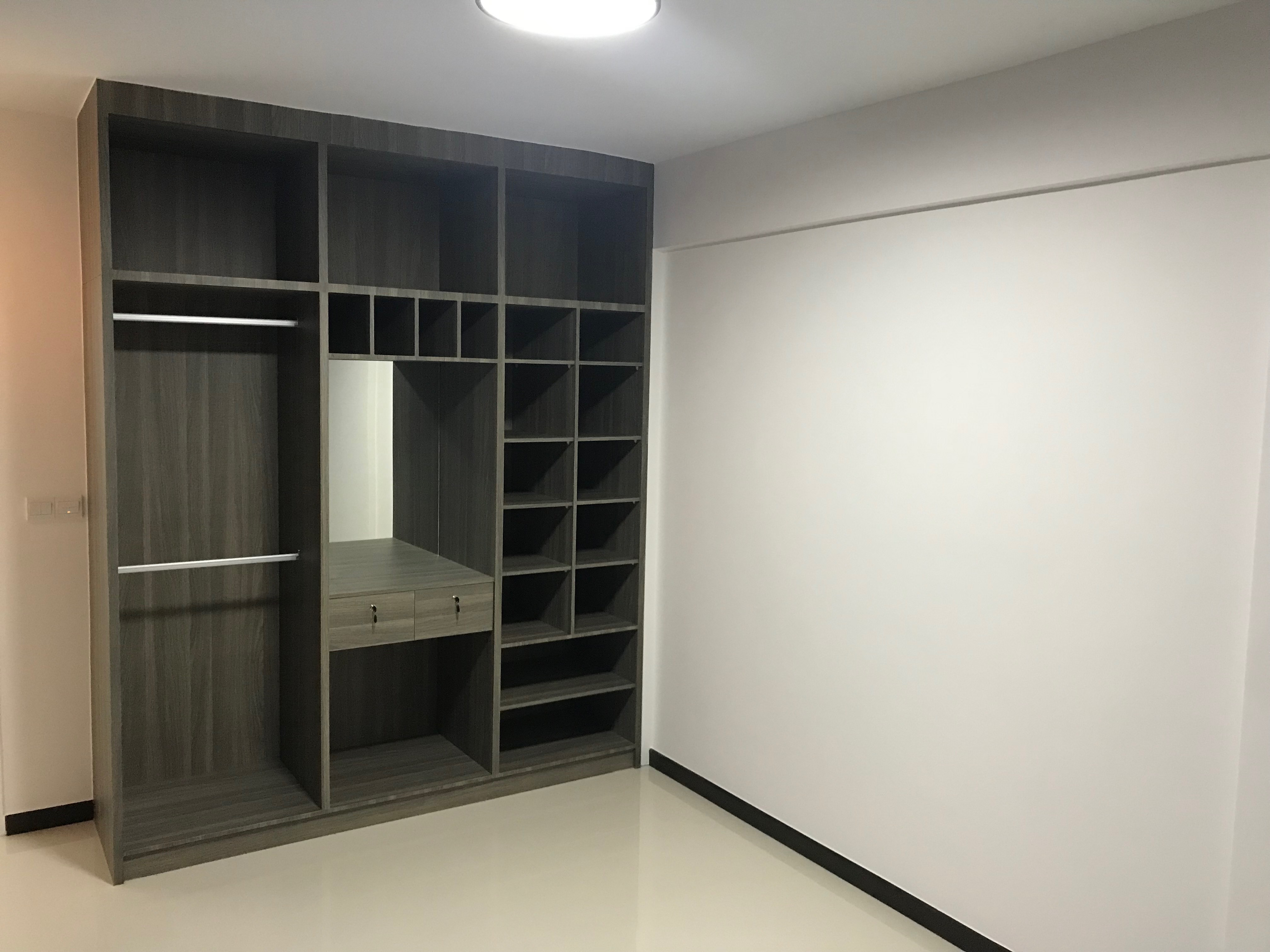 Renovation at Telok Blangah ParcView by Brilliance - open concept wardrobe