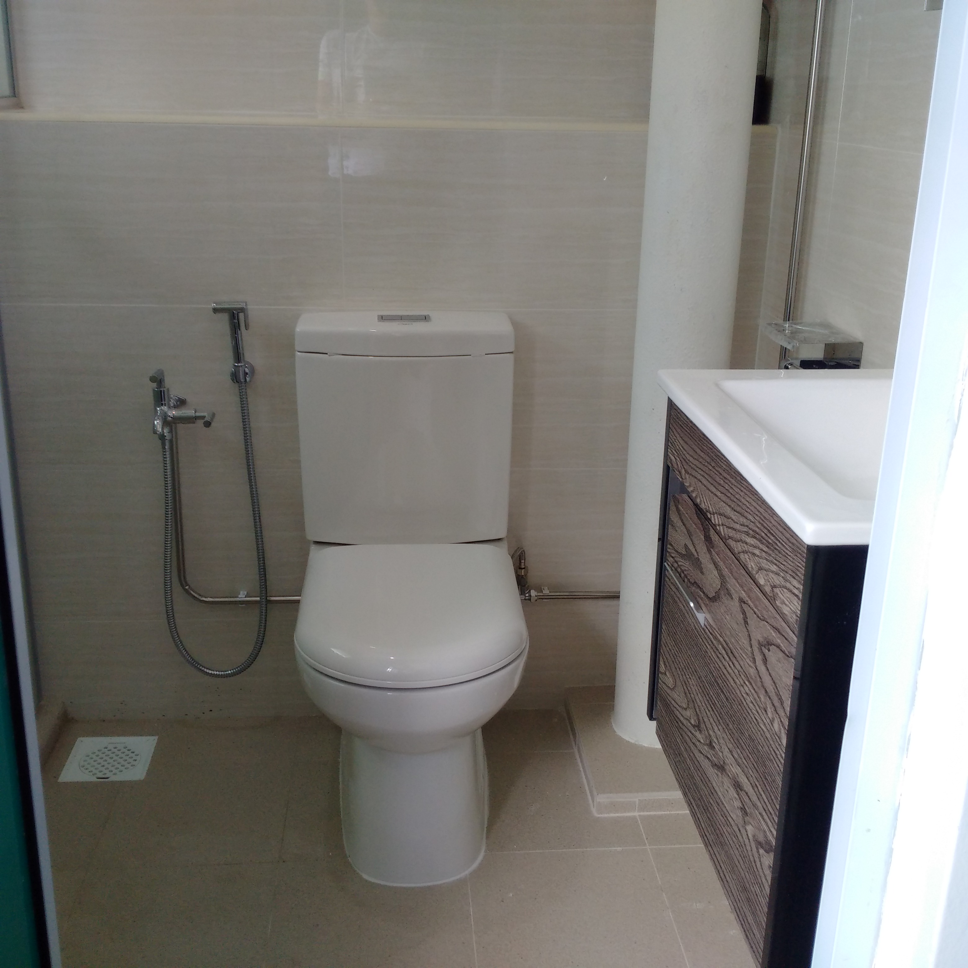 Toilet Facelift at Pasir Ris by Brilliance - view 2